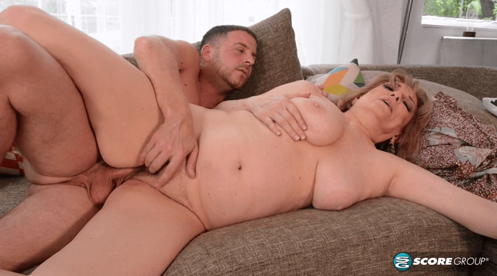 PornMegaLoad – Crystal King Hardcore