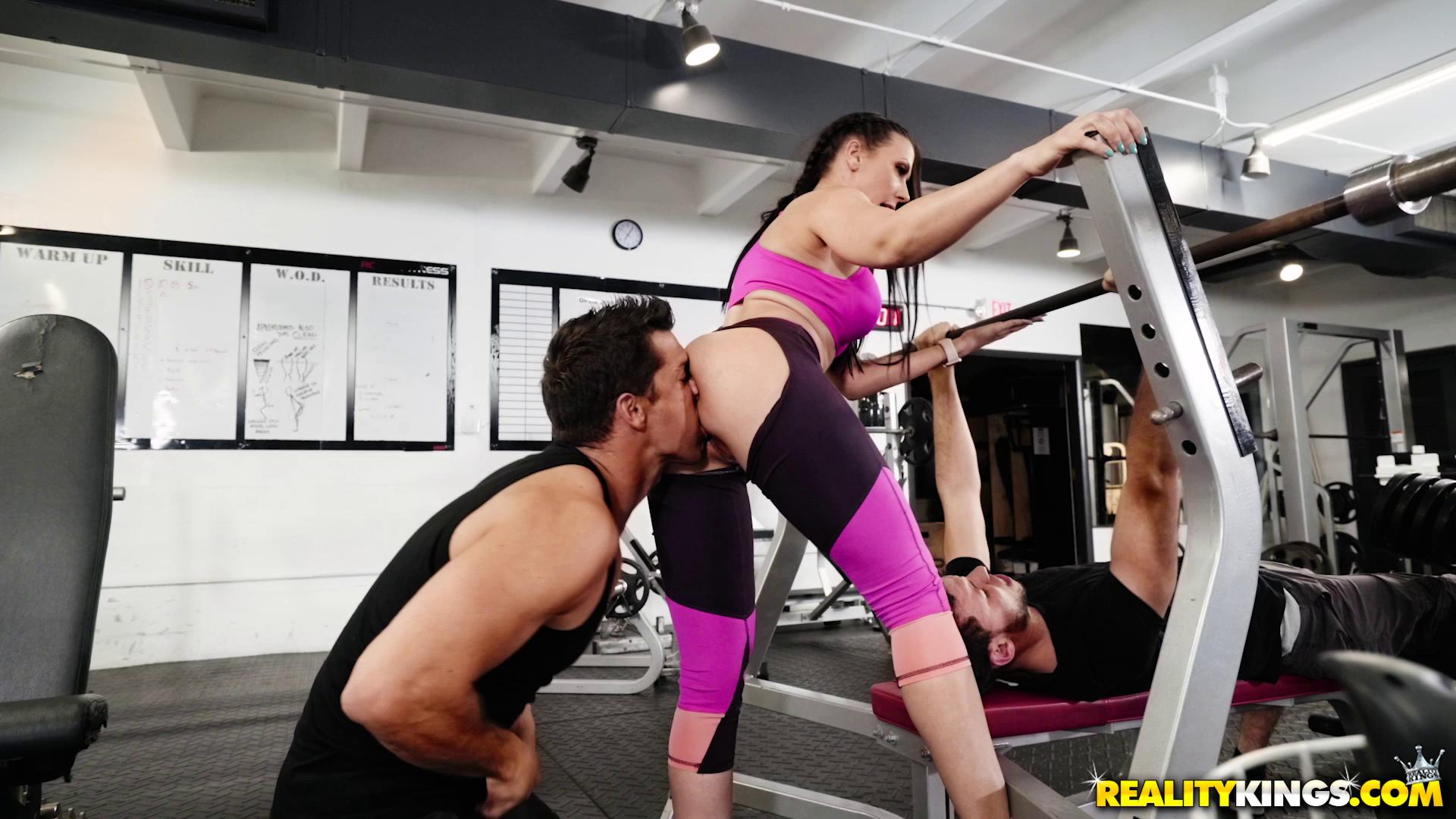 SneakySex – Rachel Starr Gym And Pussy Juice