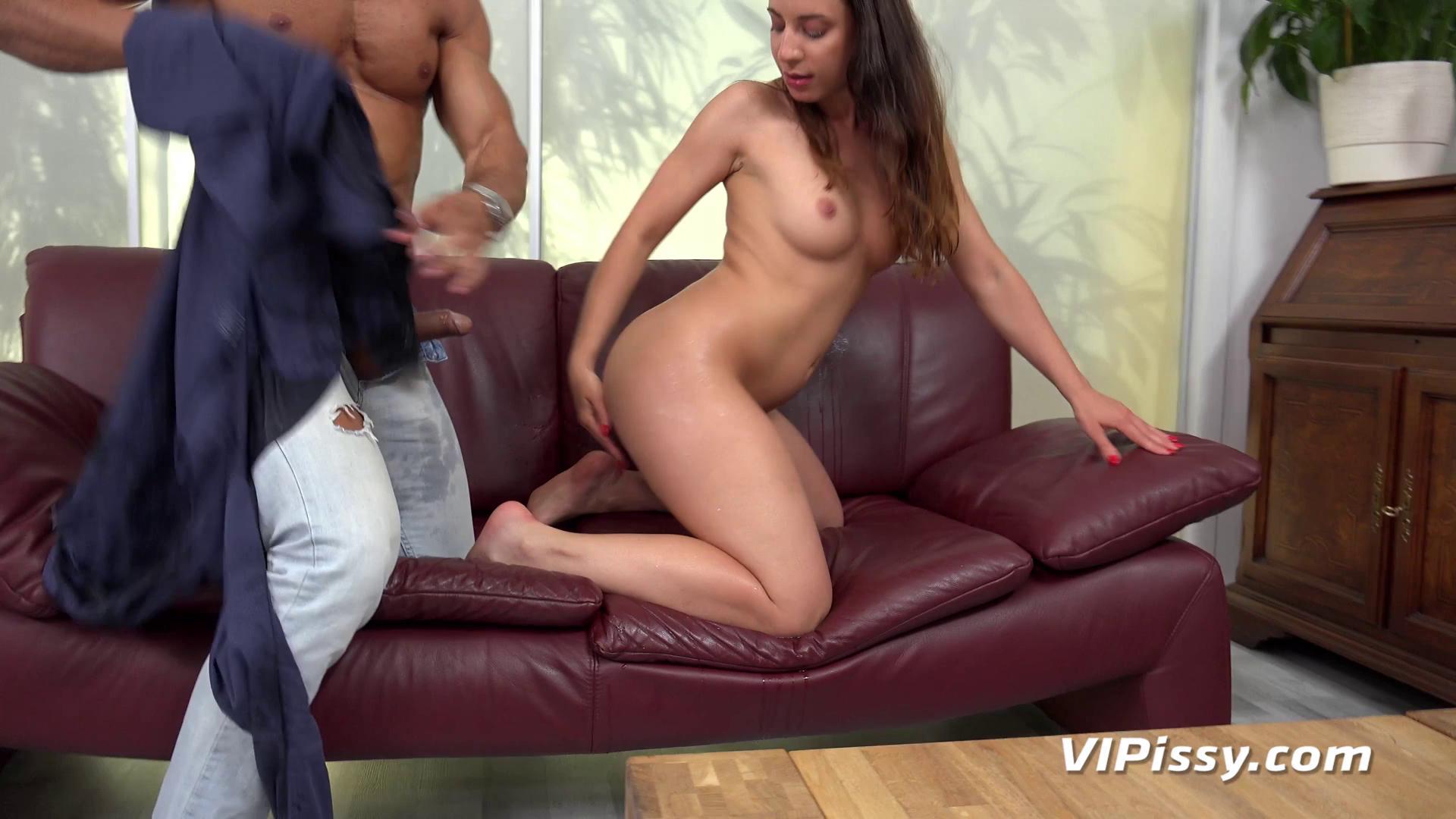 VIPissy – Teressa Bizarre