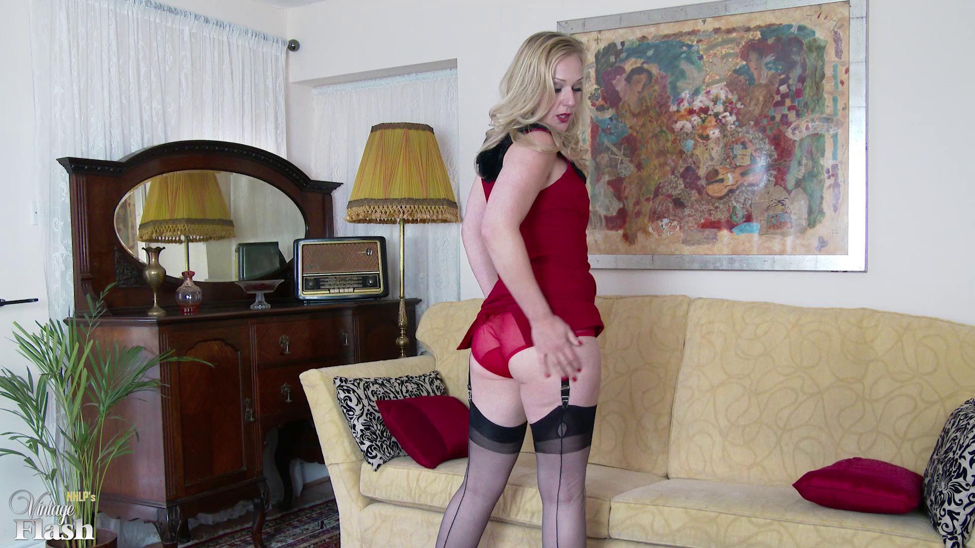 VintageFlash – Aston Wilde Sitting Room Stripper