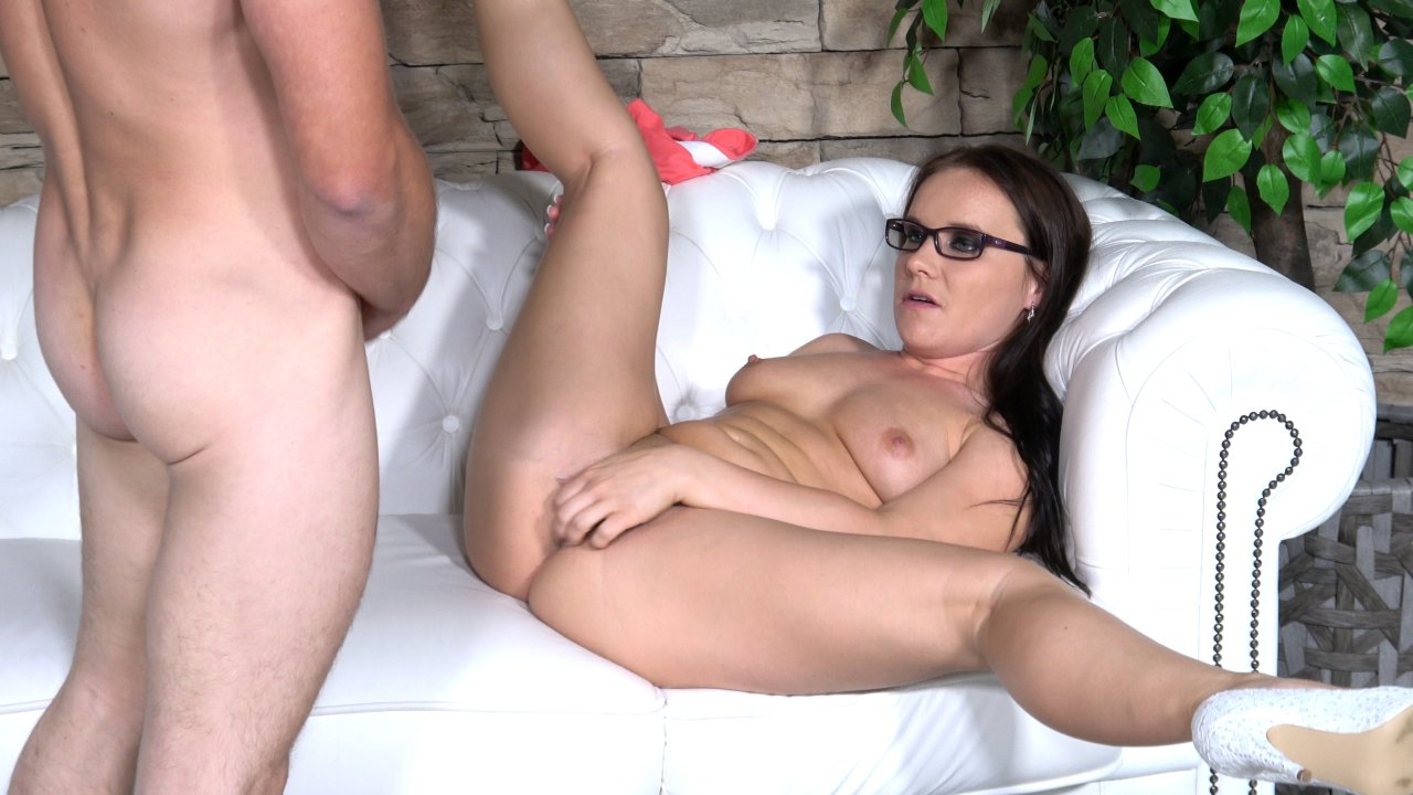 POVBitch – Endless Open Legs – Eveline Neill