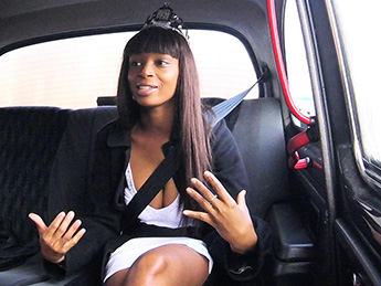 FakeTaxi : Ebony Babe Squirts and Piss in Taxi – Lola Marie