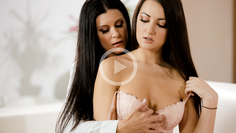 CherryPop – Indias Secret – India Summer , Lily Adams
