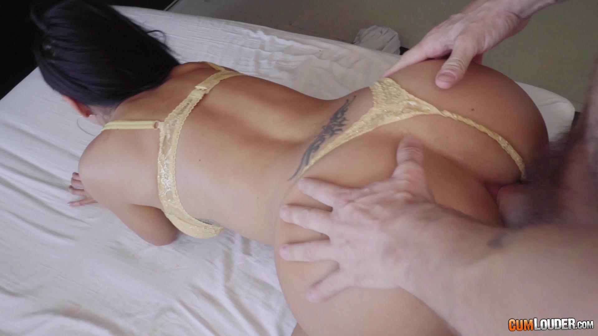 ReadyOrNotHereICum – Alexa Tomas And Canela Skin